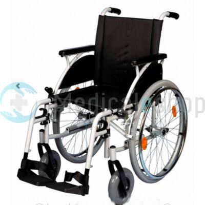 B-4200/M önhajtós összecsukható kerekesszék levehető kerékkel
