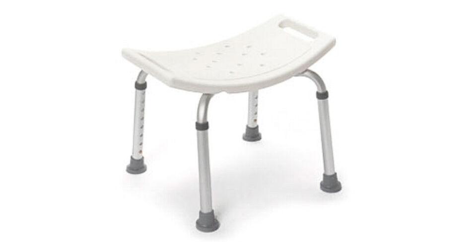 szék hátsó láb nélküli